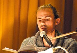 """Johannes Bühler liest """"Am Fuße der Festung"""""""