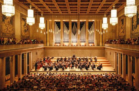 Die Neue Philharmonie München im Münchner Herkulessaal