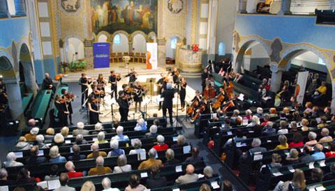 Das Puchheimer Jugendkammerorchester unter der Leitung von Pieter Michielsen
