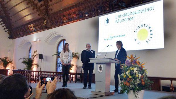 Lichterkette Förderpreisverleihung an Dr. Walter Kuhn