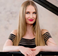 Kristina Miller, Klavier
