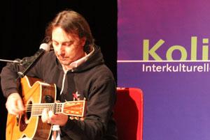 Große Gästerunde mit Leoluca Orlando und Pippo Pollina für Kolibri