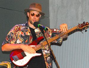 OMOPO Bassgitarrist Fabian Schenk