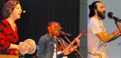 OMOPO mit den Sängerinnen Angelika Vizedum und Hope Faith Ghandi sowie dem Sänger und Gitarristen Mohammad Shahabi