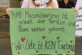 #loveisnottourism Kundgebung